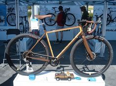 One of the most intriguing bikes at #seaotterclassic was this new @raleighbicycles Stuntman. Drop bars, a dropper seatpost and 29-inch mountain bike tires = big fun. Watch for it this fall.