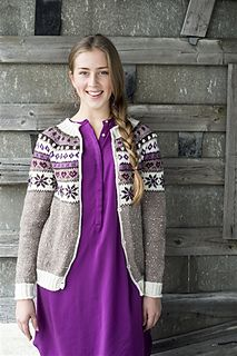 The Snow White cardigan/jacket pattern from Du Store Alpakka is a gorgeous pattern that would make anyone feel special! It is a stranded knit and includes the traditional Norwegian snowflake pattern as well as decorated mother-of-pearl buttons. Knit from the practical and sturdy STERK yarn, it has plenty of bling from the Bling which is carried along with the main color.