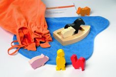 Geschichtensäckchen - story bags ~ a book about making them (in German) Story Sack, How To Make Diy, Wood Toys, Montessori, Storytelling, Fairy Tales, Alphabet, Kids Rugs, Fun