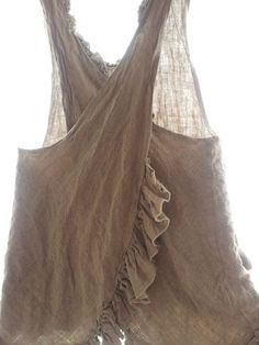 Magnolia Pearl Linen Apron Top sold - inspiration only. Hippy Chic, Boho Chic, Shabby Chic, Magnolia Pearl, Bohemian Mode, Boho Gypsy, Chaleco Casual, Linen Apron, Sewing Aprons