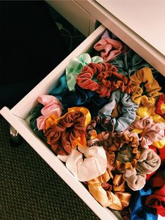 Corey from Hudson Farmhouse with hair scrunchies! Hair scrunchies DIY and hai. Accesorios Casual, Aesthetic Rooms, White Girls, Hair Ties, Girly, Room Decor, Make It Yourself, Birkenstock, Cool Stuff