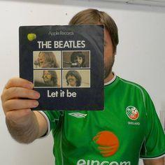Let it be, please! #coybig🍀🇮🇪 #coybig #letitbe #applerecords #inspiration #instabeatles #IRLvITA #Euro2016 #vinylinspiration #vinyl #vinylcollectionpost #vinylcollection #ireland🍀 #matchday #records #7inchsingles #thebeatles #ireland #vinylporn #instavinyl #records #record #recordcollection #vinyladdict #music #vinyloftheday #nowspinning #beatles #irish #football #lennonmccartney