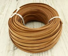 cordon en cuir plat marron clair 10 mm  2 mm par Haohaopearls