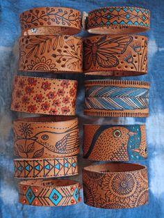 Boekenleggers/armbandjes