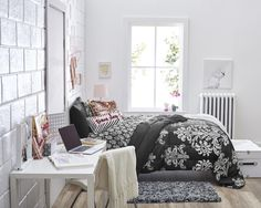 The queen of college dormery. Get the #Victoria #valuepak at OCM.com  👀Victoria Pak  #ocmcollegelife #victoria #teamsleep #bedding #valuepak #collegedorm #dormgoals #dormsetup #fitforaqueen