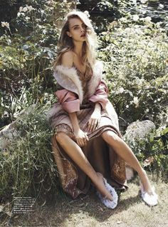 """Queen Cara"" Cara Delevingne by Benny Horne for Vogue Australia October 2013"