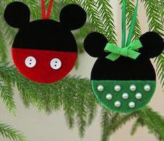 Decora tu árbol con adornos navideños Mickey Mouse y Minnie Mouse que puedes hacer en casa con esta plantilla que puedes descargar gratis DIY.