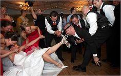 List of Funny Wedding Videos Funny Wedding Videos, Funny Wedding Dresses, Funny Wedding Photos, Wedding Dress Pictures, Wedding Couples, Wedding Pictures, Funny Videos, Wedding Photo Fails, Wedding Fail