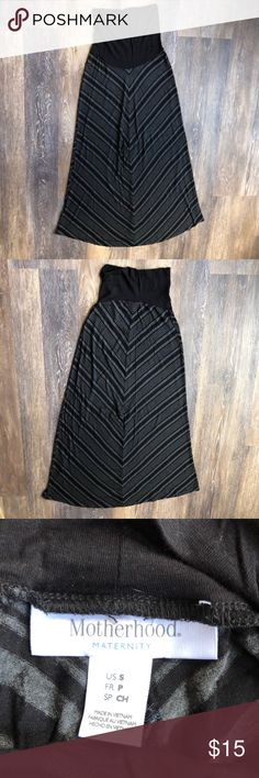 Small maternity skirt Small full length maternity skirt in excellent used condition. Motherhood Maternity Skirts