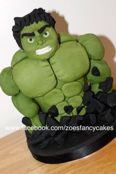 The Hulk - Cake by Zoe's Fancy Cakes