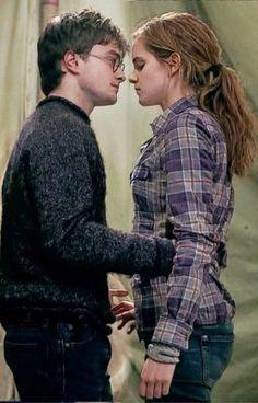 Hermione esta enamorada de Harry, él tiene novia; Ginny Wesley. Pero … #fanfic # Fanfic # amreading # books # wattpad