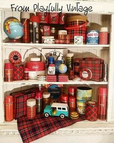 Best Camping In Michigan Vintage Cabin, Vintage Tins, Vintage Love, Vintage Kitchen, Vintage Decor, Retro Vintage, Vintage Picnic Basket, Picnic Baskets, Hygge