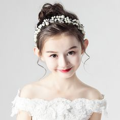 Cute Baby Girl, Cute Girls, Cute Babies, Beautiful Lips, Beautiful Saree, Cute Headphones, Beautiful Little Girls, Future Daughter, Dresses Kids Girl
