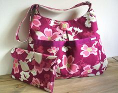 Some bag making tips & free patterns plus the latest news from The Sewing Directory
