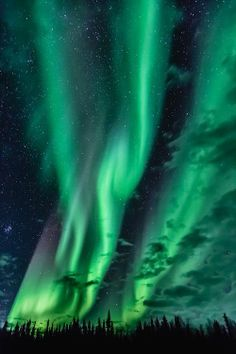 Sleep under the Aurora Borealis aka The Northern Lights in Yellowknife, Canada. Yellowknife Canada, Northen Lights, Beautiful Sky, Milky Way, Science And Nature, Night Skies, Night Clouds, Earth, In This Moment