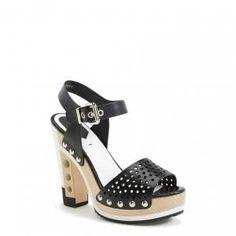 40% off Fendi - Sandals Dots Platform Black - $690