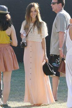 Social Wardrobe: STREET STYLE: Isabel Lucas - Bohemian Style