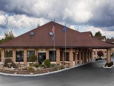Mercer (PA) Best Western Grove City Inn United States, North America Best Western Grove City Inn is perfectly located for both business and leisure guests in Mercer (PA). The hotel offers a high standard of service and amenities to suit the individual needs of all travelers. To be found at the hotel are 24-hour front desk, facilities for disabled guests, Wi-Fi in public areas, car park, business center. Air conditioning, wake-up service, desk, alarm clock, refrigerator can be ...