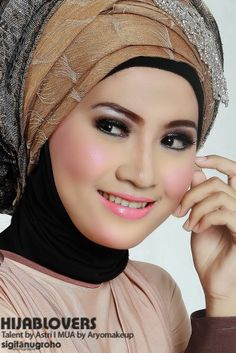 Hijablovers | Talent by Astri | MUA by Aryomakeup | 2014.