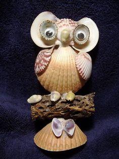 Vintage Cute Folk Art Owl Figurine from Sea Shells Mid Century Modern Seashell Ornaments, Seashell Art, Seashell Crafts, Beach Crafts, Summer Crafts, Fall Crafts, Arts And Crafts, Starfish, Seashell Projects
