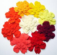 Flores de fieltro Orange set de 36 piezas por PlanetaCostura, €3.95