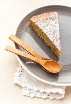 Torta da colazione con farina di farro per polenta e marmellata di lamponi