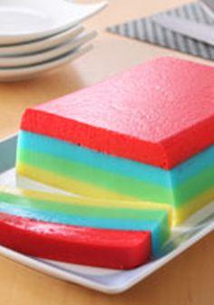 Postre JELL-O arcoíris- Esta gelatina es perfecta para una celebración con tu familia.
