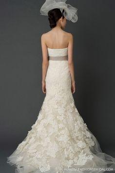 Vera Wang lovely wedding details