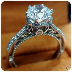 Classic elegance for an engagement ring