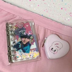 Bullet Journal Ideas Pages, Bullet Journal Inspiration, Ideas Decorar Habitacion, Kpop Diy, Journal Aesthetic, Bubbline, Korean Aesthetic, Kpop Merch, Ring Binder