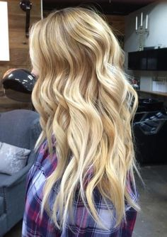 long blonde hair with balayage highlights
