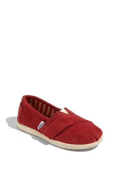 both Ellie and Alice will be getting these for Christmas this year. i just love them so much. and Toms are like the best kids shoe ever. for reals.