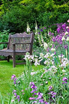 cool Amazing Backyard Garden Design Ideas With Wooden Bench Country Cottage Garden, Cottage Garden Plants, Wooden Garden Benches, Garden Seating, Backyard Garden Design, Garden Landscaping, Cottage Design, Garden Gates, Dream Garden
