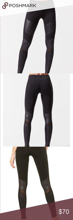 34989a8981373 Shop Women s ALO Yoga Black size XS Leggings at a discounted price at  Poshmark. Description  Alo Yoga moto leggings in size xs.