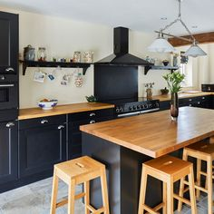 Beautiful dark grey and oak kitchen. Building a house ideas. By Potton, Self-Build Specialists Cottage House Designs, Country House Design, Cottage Style Homes, Country Kitchen, New Kitchen, Kitchen Ideas, Kitchen Shelves, Kitchen Layout, Small Kitchens
