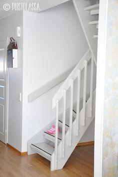 Tämmöiset portaat me jätetään taaksemme vanhaan asuntoon.         Tammikuun lopussa näky oli tämä         Kun käytiin reilu kaksi vuotta si...