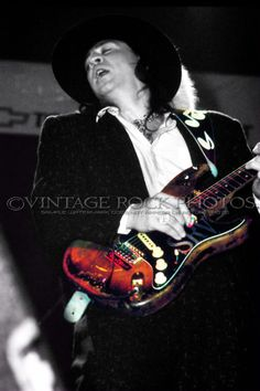 Stevie Ray Vaughan Photo Gallery | Stevie Ray Vaughan Photo 8x12 in '80s Live Concert Ltd Edition Studio ...