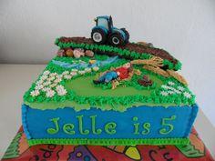 tractor taart Duplo boerderij taart   Taarten   Pinterest   Food tractor taart