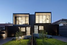 Living The Life! A Modern Townhouse By Chan Architecture Townhouse Exterior, Modern Townhouse, Townhouse Designs, Modern Apartments, Architecture Durable, Residential Architecture, Architecture Design, Duplex House Design, Modern House Design