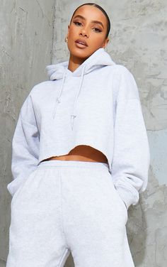 This cropped hoodie is essential for them off-duty days. Featuring a soft grey fabric with a drawstring hood and cut off hemline, team it with some grey joggers and chunky trainers for the ultimate off-duty look. Length approx 37cm/14.5 (Based on a sample size S) Model wears size S Model Height - 5ft 9 Cropped Hoodie Outfit, Cropped Sweater, Swag Outfits For Girls, Girl Outfits, Fashion Outfits, Womens Co Ords, Chill, Baskets, Grey Joggers