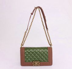 3c24d8bee23 Designer Bags Outlet, Cheap Designer Bags, Sunglasses Outlet, Ray Ban  Sunglasses, Chanel Boy, Cheap Bags, Cheap Ray Bans, Bago, Outlet Store