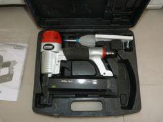 -pointe de 8 a 50mm (non fournie). Location cloueur pneumatique Rapid PB 131 Albi (81000)