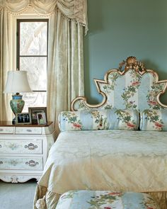 dreamy-southern-bedrooms I like the wall color