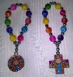 Denarios llaveros | Clasf Rosary Bracelet, Beaded Bracelets, Angel Crafts, Confirmation Gifts, Christian Jewelry, Communion, Rosaries, Jewelery, Handmade Jewelry