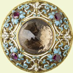Brooch given to Queen Victoria by Prince Albert, with a quartz stone found on one of their walks. 1848.