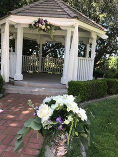 Arch Flowers, Table Decorations, Home Decor, Decoration Home, Room Decor, Home Interior Design, Dinner Table Decorations, Home Decoration, Interior Design