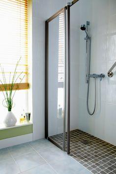 Pros and Cons of a Walk in Shower Design Cleveland & Columbus Ohio Ada Bathroom, Handicap Bathroom, Small Bathroom With Shower, Mold In Bathroom, Bathroom Wall Decor, Small Bathrooms, Bathroom Ideas, Modern Bathrooms, Bathroom Faucets