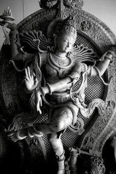 Hindu Cosmos — Shiva as Lord of Dance A statue of a dancing. Arte Shiva, Shiva Art, Shiva Shakti, Shiva Hindu, Hindu Temple, Krishna, Buddha Sculpture, Sculpture Art, Indian Temple Architecture