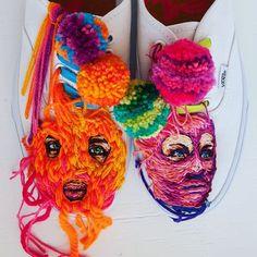 Il ricamo artistico di Danielle Clough: dalle racchette alle sneakers