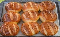 coacere painici piute chifle de casa New Recipes, Bread Recipes, Vegan Recipes, Herbal Remedies, Natural Remedies, Cooking Bread, Romanian Food, Pastry And Bakery, Weekly Menu